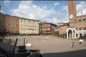 Piazza del Campo 1 by enframed
