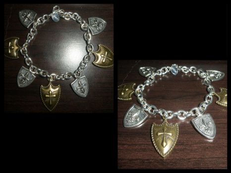Shield Bracelet/Casually nerds it up by Mirackles