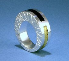 Stone inlay ring by Vor4
