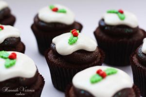 Christmas Puddings by Hannah-Victoria