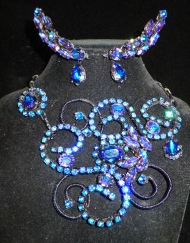 Unseelie Necklace and Earrings by lilibat