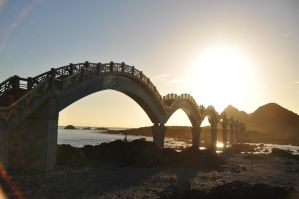 6:07 AM Sun over the Bridge by Otone