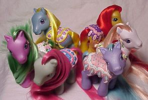 Merry Go Round ponies Set 2 by Woosie