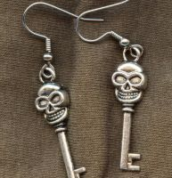 Skeleton Key Earrings by BastsBoutique