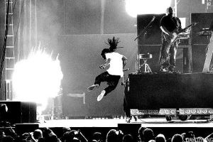 weezy on stage by Cricker03