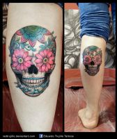 classic skull with flowers tattoo by redtrujillo