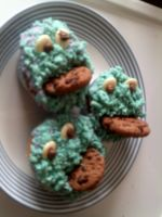 Cookie monster cup cakes by cornishmouse