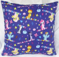 My Little Pony Pillow 2 by quiltoni