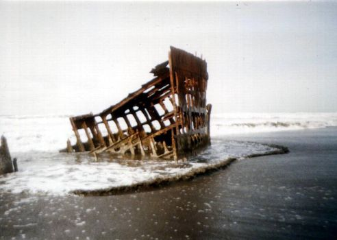 Wreck of the Peter Iredale by patrick-brian