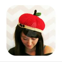 Apple beret crochet pattern by hellohappycrafts