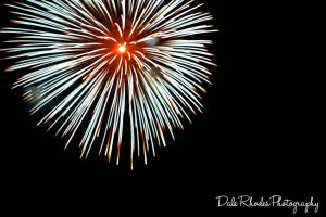 Fireworks 19 by DalePhotography