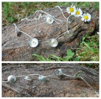 Daisy Necklace by WallaceReg