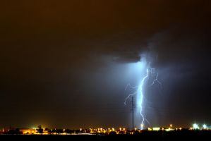 Lightning 7739 by mammothhunter