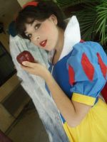comic con 07 snow white by miss-kitty-j