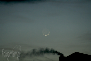 Moon 2 by halogenlampe