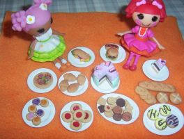 MINIATURE LALALOOPSY SIZE FOOD by Victim-RED