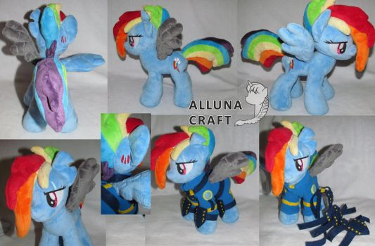 Rainbow Dash (Crystal War form) by AllunaKitsune