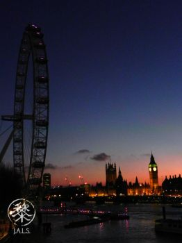 Parliament House and the Thames by Darellos