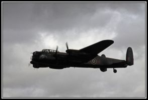 Lancaster Bomber by lizzyr