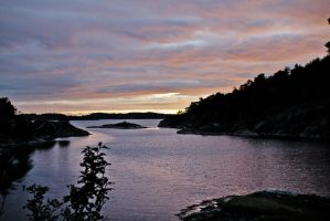 Norwegian Sunset by hennexx