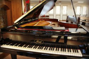 Piano II by LucaHennig