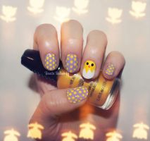 Chickadee and her Polkadot Eggs - Easter Nails by psychoren