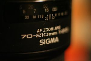 Sigma 70-210 mm f/2.8 APO by luka567