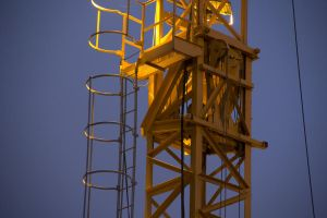 Stairway to the Crane by Shilvar
