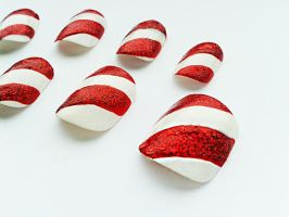 Candy Cane Nails by nail-artisan