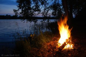 Midsummer Bonfire by Isriana
