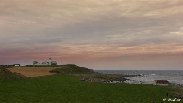 Lighthous dusk by Fotgraphics