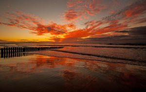 Torquay Sunrise 3 by DanielleMiner