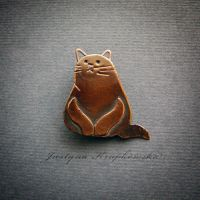 fat cat brooch by szaranagayama