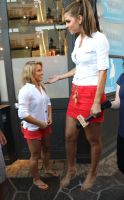 Minigts Maria Menounos with tiny Shawn Johnson by SizeExchange