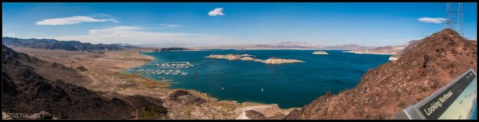 View over Lake Mead by digitalwelt