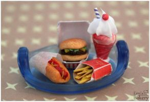 Miniature fastfood tray by EmisBakery