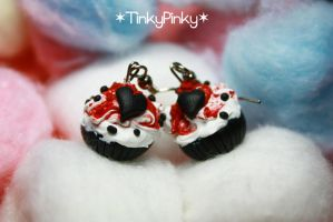 bloody Vday cupcake earrings by tinkypinky