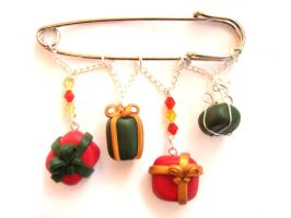 Christmas Presents Pin Brooch Bag Charm by ClayMyDay