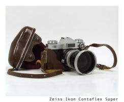 Zeiss Ikon Contaflex Super by yankeedog