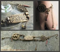 Bracelet with etched nameplate by Devilry