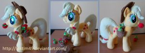 Applejack with hat, apples and saddle bag by faktim49