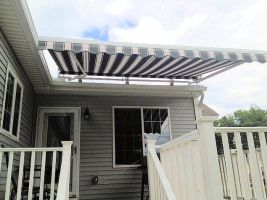 This is a picture of a retractable awning in Fremo by OceanViewAwng