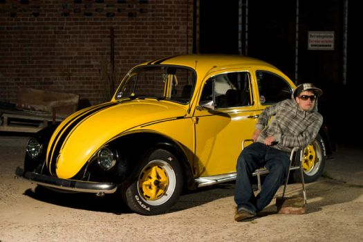 Shooting with a yellow bug by C-N-photography