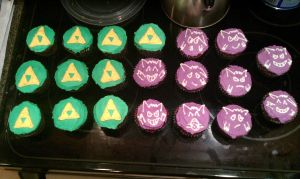 Zelda and Gengar cupcakes by iBEurNoob