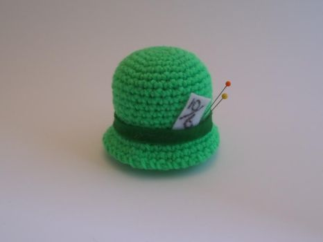 Mad Hatter Pin Cushion by akane0