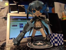 Black Rock Shooter Papercraft by R15ABRAHAM