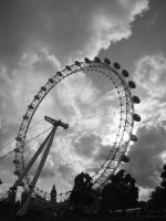 The eye of London by Juinny