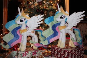 Celestia Guarding Presents by WhiteDove-Creations