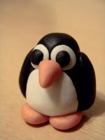 Penguin by coralfg