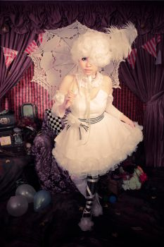 Book of Circus - Doll by Karopu